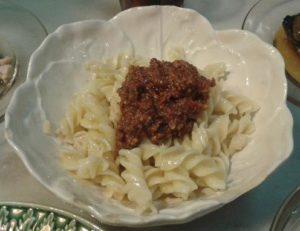 Pasta al pesto rojo