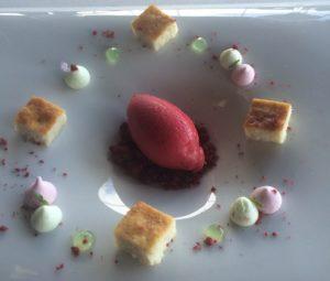 Queso frutos rojos y menta Sonia Selma en Azurmendi