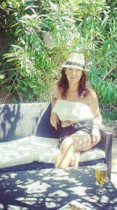 Sonia Selma escote bardot blog