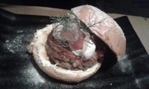 Hamburguesa nórdica by @laroyalebcn Barcelona Sonia Selma 03102015  (1)