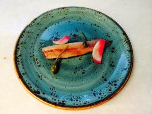 Sardinas ahumadas citricos y toques encurtidos
