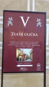 Sonia Selma en Callejon del oro Castillo Praga Ago16 1