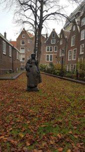 sonia-selma-en-begijnhof-amsterdam-nov-2016-4-reducida