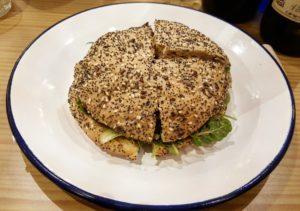 hamburguesa-carmen-de-pescado-sonia-selma-nyamcasualseafood