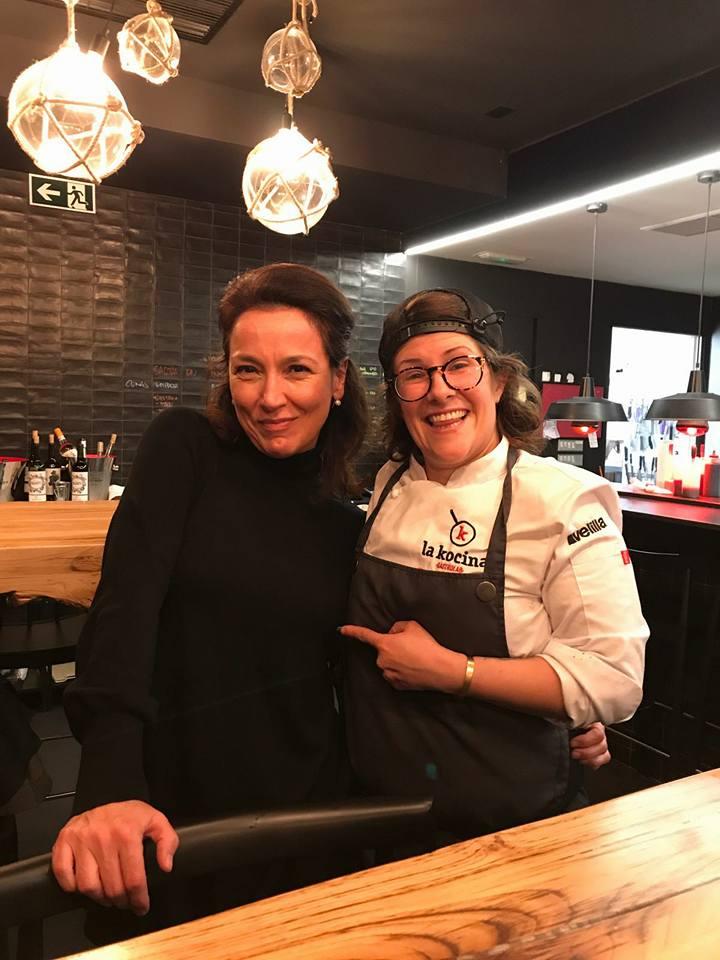 Rakel Karak con Sonia Selma en Restaurante Karak